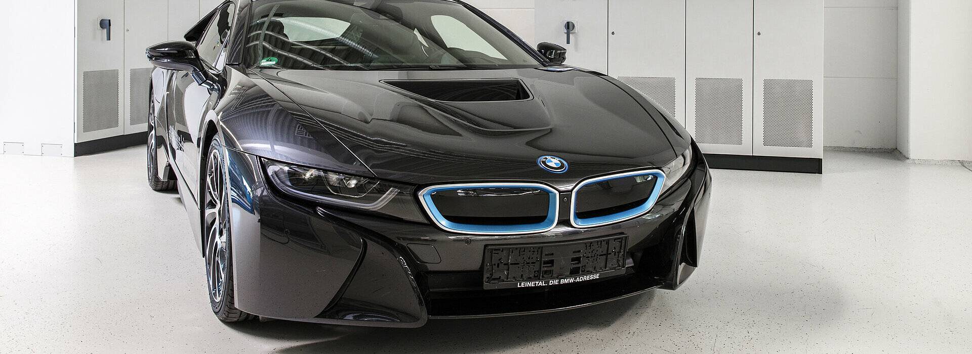 Close-up of a BMW i8 in the Production Hall